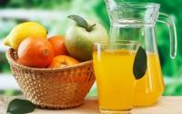 Ученые рассказали для кого представляют опасность фруктовые соки