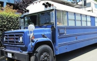 В США жилой дом создан из школьного автобуса