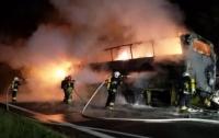 При неизвестных обстоятельствах в Польше сгорел автобус, перевозивший 70 украинцев