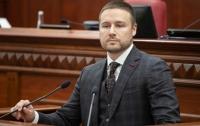 Сотрясение мозга и ушибы головы: в Киеве избили заместителя головы КГГА
