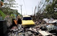 Мощное землетрясение в Индонезии: погибли 832 человека