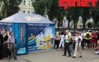 Киевлян раздражают МАФы и нервируют стихийные рынки (ФОТО)