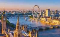 Великобритания отменяет ПЦР-тесты для вакцинированных туристов