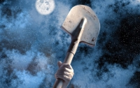 Прихожанин ударил работницу храма лопатой из-за вселившихся в нее бесов