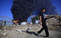 Горит нефтеперерабатывающий завод в Венесуэле: нефтехранилища до сих пор не могут потушить