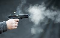 Пьяный дебошир обстрелял людей возле ночного магазина в Запорожье (видео)