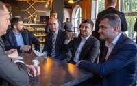 Власник кафе у Хмельницькому має всі підстави недолюблювати президента