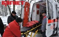 Пьяница с черепно-мозговой травмой гонял врачей по двору