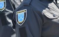 В Днепре экс-военный прокурор и женщина стреляли с балкона (видео)