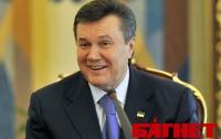 Янукович поздравил украинцев с годовщиной Декларации о суверенитете