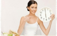 Диетологи рассказали, почему важно есть после шести вечера