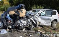 Лобовое столкновение: на Харьковщине в ДТП погибла молодая семья