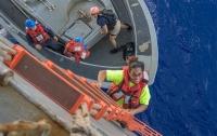 Моряки ВМС США спасли дрейфовавших полгода в океане женщин
