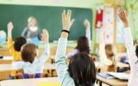 Школьников освободили от госаттестации