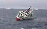 Круизное судно Explorer повторило судьбу Титаника