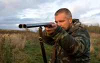 Перепутали с зайцем: на Харьковщине охотники застрелили мужчину