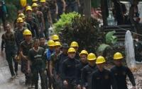 В Таиланде проходит третья фаза эвакуации детей из пещеры