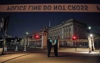 В Лондоне мужчина напал с ножом на полицейских