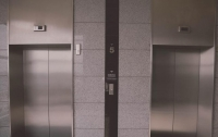 В Киеве на крыше лифта нашли труп
