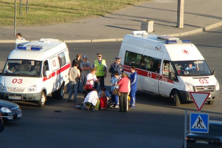 Эти автобус сбил пешехода в великом новгороде около южного рынка пришлось