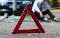 Под Киевом ВАЗ врезался в фуру с кирпичами, водитель погиб на месте