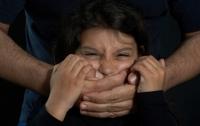На Львовщине 37-летний мужчина похитил и растлевал 14-летнюю девочку
