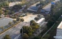В Китае обрушился участок дороги, много погибших (видео)