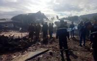 Никто не выжил: в Алжире разбился военный самолет с 200 людьми на борту (видео)