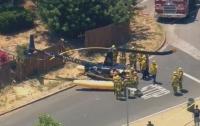 В Лос-Анджелесе вертолет рухнул на улицу (видео)