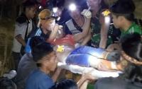Нелегальных копателей золота в Индонезии завалило в шахте, есть жертвы
