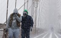 Американцы борются с аномальными холодами и снегопадами