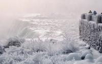Рекордный холод: в США замерз Ниагарский водопад