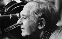 Умер известный режиссер, снявший три части бондианы