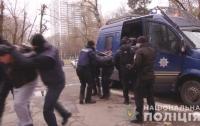Нападение на госисполнителей: в Одессе избили сотрудников службы