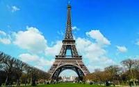 Эйфелева башня закрыта для туристов