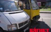 В Запорожье можно пожаловаться  властям на маршрутчиков