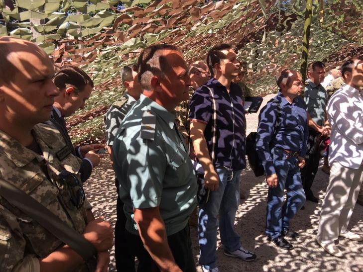 Сергей Пашинский и Владимир Рапко, рискуя жизнями украинских бойцов подсовывают ВСУ малоизвестные турецкие средства связи вместо качественных израильских