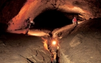 Туристов, замурованных в пещере в Швейцарии, освободили