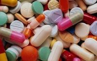 Аферисты хотели накормить киевлян просроченными таблетками