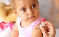 В Украине планируют изменить календарь прививок для детей