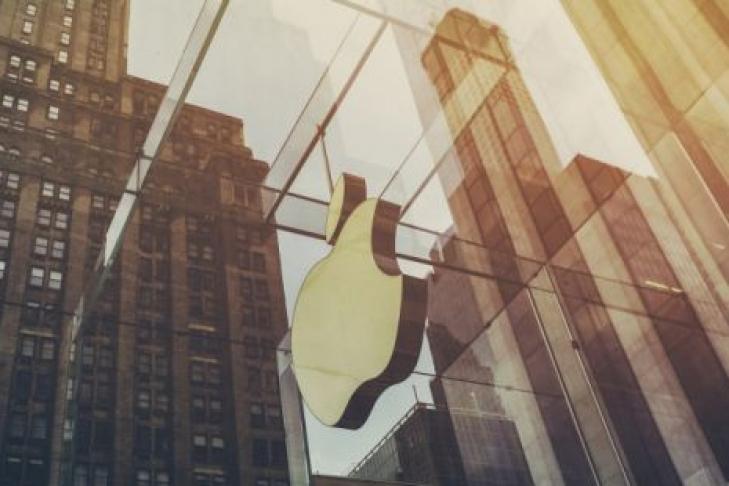 Apple будет бесплатно менять либо  чинить  батареи вчасах Watch Series 2