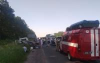 ДТП под Киевом: в аварии пострадали семь человек