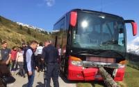 Французский турист спас пассажиров автобуса от падения в пропасть