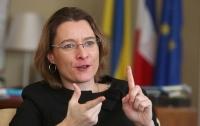 Миротворцы не должны заморозить конфликт на Донбассе, - посол Франции