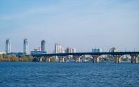 В Киеве на мосту Патона ограничат движение транспорта