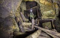 В Узбекистане под завалами заброшенной шахты оказались 20 золотоискателей