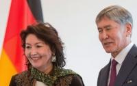 Полиция взялась уже и за жену бывшего президента Кыргызстана