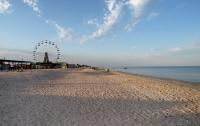 На украинском курорте больше нет людей, их напугал шторм