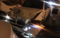 Масштабное ДТП в Одессе: внедорожник столкнулся с пятью автомобилями