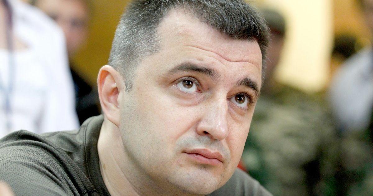Арестом главы Укрэксимбанка Коломойский помогает Януковичу и Курченко вернуть деньги и медиа-активы, - эксперт